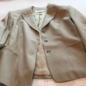 Ladies suit with skirt